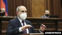 Armenia - Prime Minister Nikol Pashinian addresses the parliament, June 17, 2020