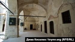 Зынджырлы медресе, Бахчисарай (основана в 1500 году ханом Менгли I Гераем)