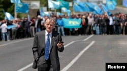 Crimean Tatar leader Mustafa Dzhemilev was prevented from entering Crimea in May.