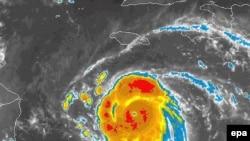 طوفان فلیکس بسیاری از مردم منطقه را نگران کرده است.