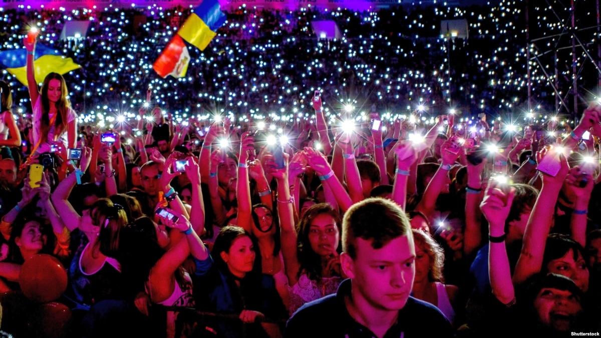 Про интровертов, шаурму и «дерьмо в ушах»: 10 украинских треков октября