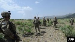 Ushtarët amerikanë gjatë patrullimit në lagjen Sabari në provincën Khost në Afganistan