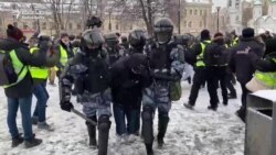 Moscow Wakes Up To Detentions, Heavy Police Presence As Navalny Supporters Take To The Streets