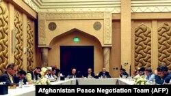 هیئتهای مذاکره کنندهٔ دولت افغانستان و طالبان در دوحهٔ قطر