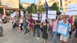 Kosovo Protesters Rally For Chief Prosecutor's Resignation