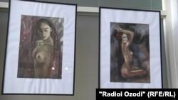На выставке картин Маърифат Давлатовой