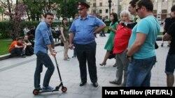Ялья Яшин на Кудринской площади, вечер 16 мая