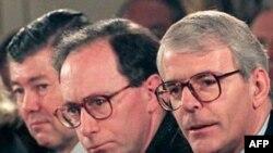 Kryeministri britanik, Xhon Major (në të djathtë), viti: 1995