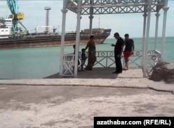 В порту Туркменбаши