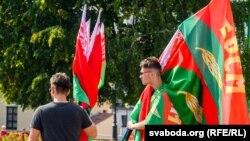 Участники акции в поддержку Лукашенко в Гродно, 22 августа 2020