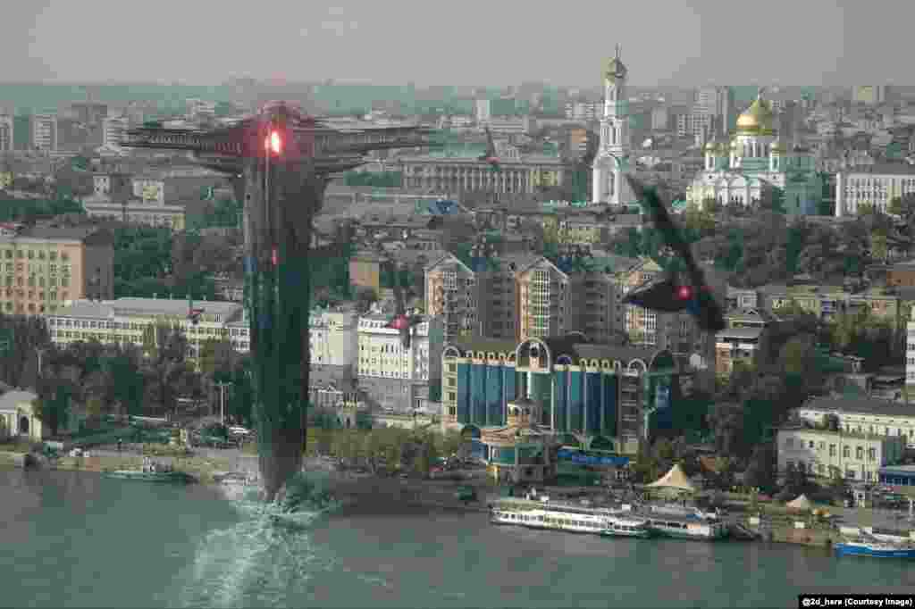 Spaceships from Thor 2, a 2013 superhero movie, attack Rostov-on-Don. Yevgeny Zubkov, the member of the collective who created this image, says he prefers to work from images of his own hometown.