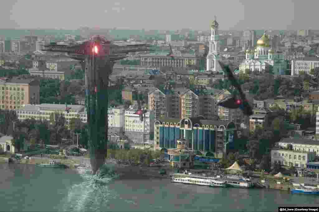 Svemirski brodovi iz filma Thor 2 u napadu iznad Rostova na Donu.