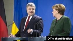 Петро Порошенкота Анґела Меркель, архівне фото
