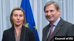 Високата претставничка на ЕУ Федерика Могерини и комесарот за проширување Јоханес Хан