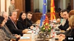 Средба на известувачот на Европарламентот за Македонија Ричард Ховит со членови на Постојаната анкетна комисија за слободите и правата на граѓанинот.