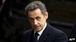 Չեխիա - Ֆրանսիայի նախագահ Նիկոլա Սարկոզին ժամանել է Պրահա` մասնակցելու Չեխիայի նախկին նախագահ Վացլավ Հավելի հուղարկավորությանը, 23-ը դեկտեմբերի, 2011թ.