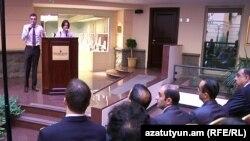 «ԵՄ- Հայաստան. քաղաքացիական հասարակություն» սեմինարը Երեւանում: 9-ը նոյեմբերի, 2010 թ.