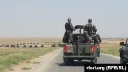 Афганские силы безопасности на пути из Мазари-Шарифа в Шеберган. Иллюстративное фото.