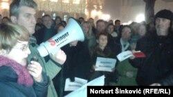 Tatjana Tucić na protestu u Novom Sadu, foto: Norbert Šinković
