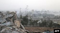 Սիսիայի բանակի զինծառայողները Հալեպի ավերված հիվանդանոցի մոտ, 2 հոկտեմբերի, 2016թ.