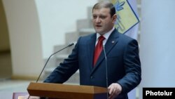 Armenia - Yerevan Mayor Taron Markarian takes oath after his reelection, Yerevan,11Jun,2013