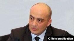 Разговоры о его судимости за более тяжкое преступление Парцхаладзе назвал «грязной политической кампанией», проводимой «Единым национальным движением»