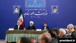 سخنرانی حسن روحانی در وزارت خارجه و پس از تحریم ظریف انجام شده است