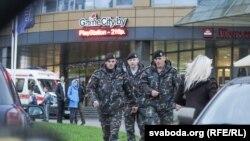 Policia e Bjellorusisë në qendrën Europa në Minsk pas vrasjes
