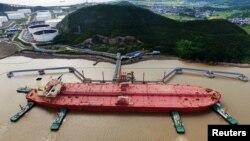 چین ماه آوریل مشتری ۸۰۰ هزار بشکه نفت ایران بود که بیش از ۳.۵ برابر ماه قبلی آناست