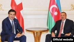 Грузия и Азербайджан входят в ГУАМ, активно развивают сотрудничество с НАТО и ЕС. А уж сколько заявлений о стратегическом партнерстве произнесено лидерами двух кавказских республик!