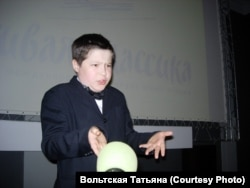 """Максим Вахмин, Тюменская область: Елена Габова. """"Не пускайте рыжую на озеро"""""""