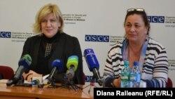 Dunja Mijatovic (stţnga) şi şefa Misiunii OSCE la Chişinău, Jennifer Brush, 18 martie 2014