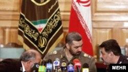 اقای آشتیانی گفته است که ارتش جمهوری اسلامی امروز اشراف کامل اطلاعاتی به شرایط پیرامونی خود دارد.(عکس: مهر)