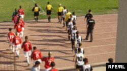 Azərbaycanın futbolçu qadınları meydana çıxır, 25 iyul 2006