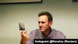 Алексей Навалний. Акс аз шабакаҳои иҷтимоӣ