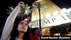 Demonstracije ispred tornja Tramp