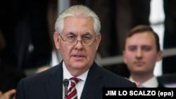 مقام وزارت خارجه آمریکا تاکید کرده رکس تیلرسون در دیدار پیشرو بار دیگر از اعضای پیمان آتلانتیک شمالی خواهد خواست تا «بر تعهدات خود برای افزایش پرداختیها به ناتو پایبند بمانند»