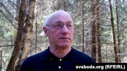 Ян Дзяржаўцаў ў лесе пад Хайсамі, архіўнае фота