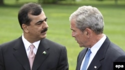 Pakistani Prime Minister Yousuf Raza Gilani (left) with U.S. President George W. Bush in Washington in July.
