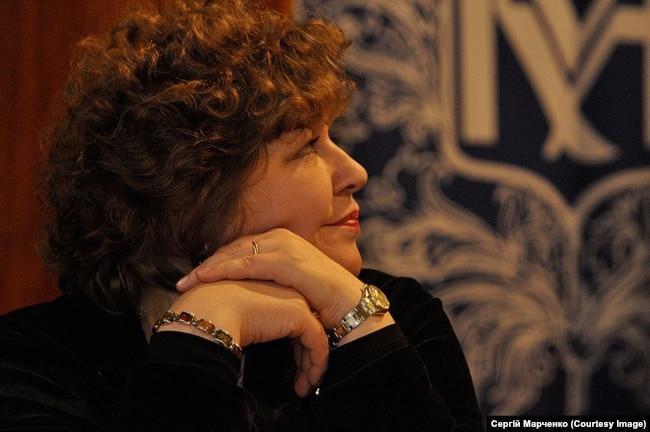 Професор Оксана Пахльовська