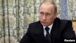 Владимир Путин вновь обещает уничтожить террористов.
