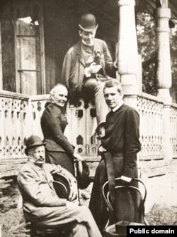 Софія та Іван Шептицькі разом з синами Андреєм і Леоном