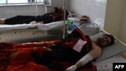 Prizor iz bolnice nakon eksplozije automobil bombe, Kabul