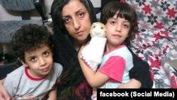 نرگس محمدی به همراه فرزندانش