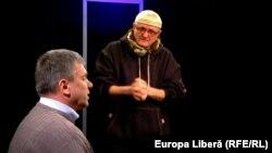 Igor Boțan și Vasile Botnaru la o dezbatere în studioul Europei Libere la Chișinău