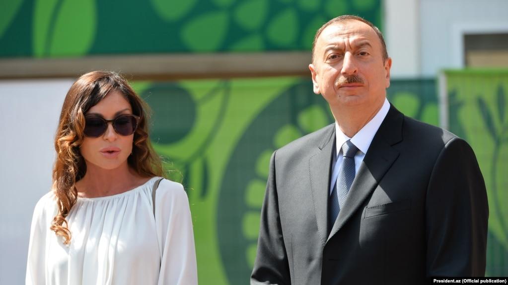 СМИ и юзеры «кайфуют»: Ильхаму Алиеву после назначения жены вице-президентом Азербайджана предложили сделать тещу министром обороны
