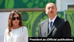Президент Азербайджана ИльхамАлиев с супругой Мехрибан Алиевой