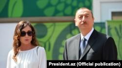İlham Əliyev xanımı Mehriban Əliyeva ilə