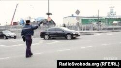 Кортеж Яценюка проїжджає Поштову площу