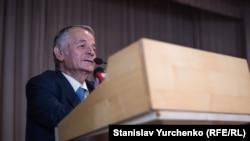 Mustafa Cemilev Kiyevde Tavriya milliy universitetiniñ tantanalı açılışında